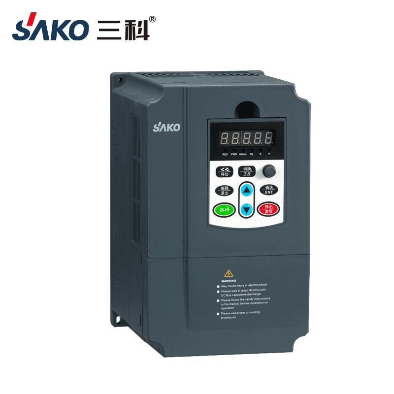 SKI670 0.75-2.2kW单相转三相变频器-2