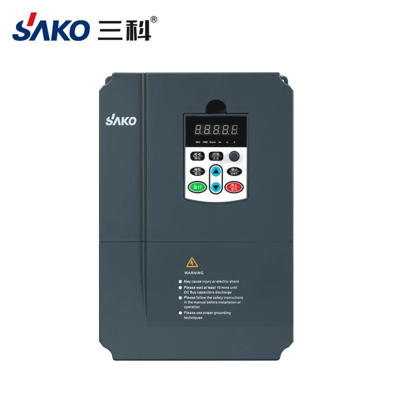 SKI670 4-7.5kw单相转三相变频器-1