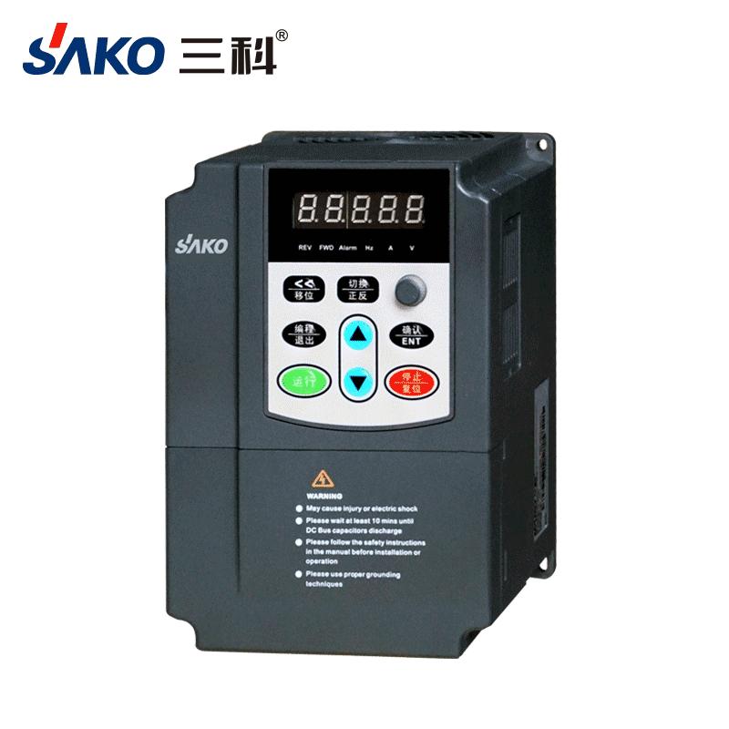 三科220V水泵变频器0.75-2.2kW-3