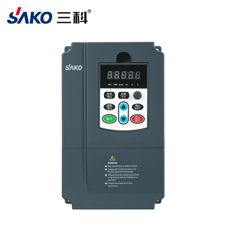 SKI670 0.75-2.2kW单相转三相变频器
