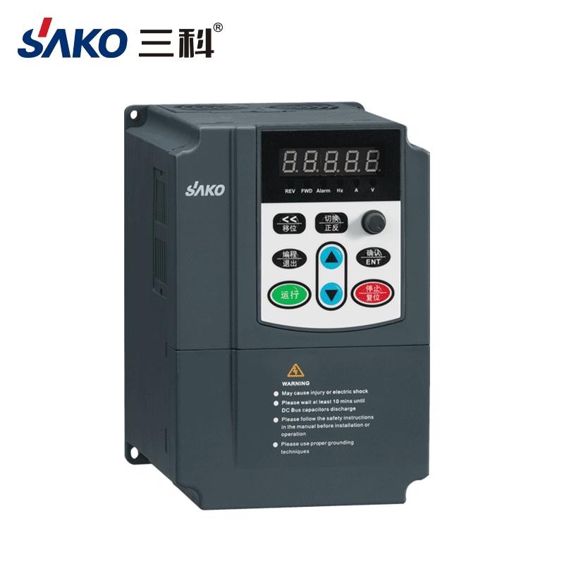 三科380V水泵变频器0.75-2.2kW